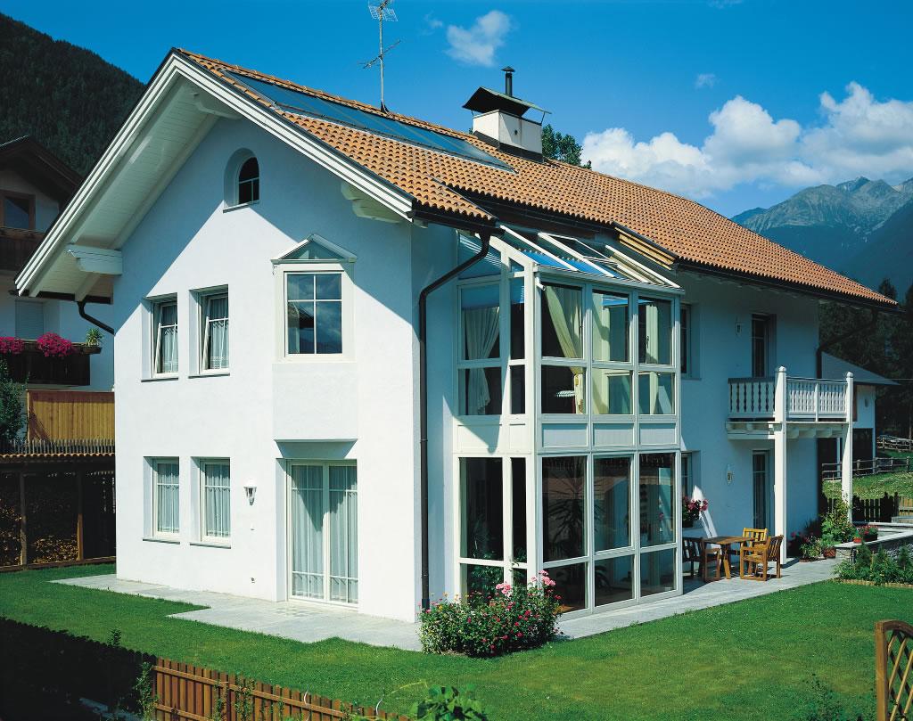 Porte e finestre in legno pvc e alluminio infissi in for Piani di casa porte cochere