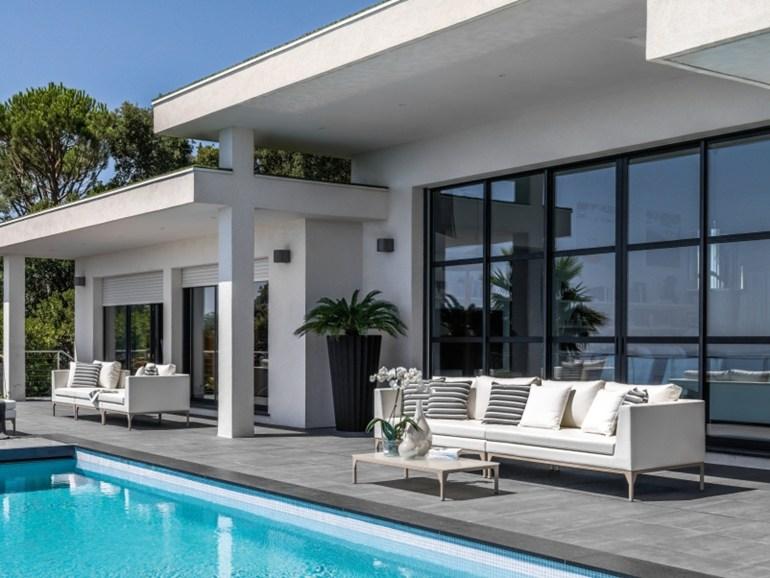 Arredamento esterni design salotto moderno foto immagini - Piscina da balcone ...
