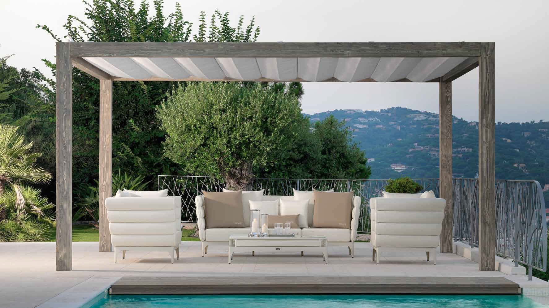Arredo Moderno Giardino: Arredo per giardino set tavolo e poltrone dal ...