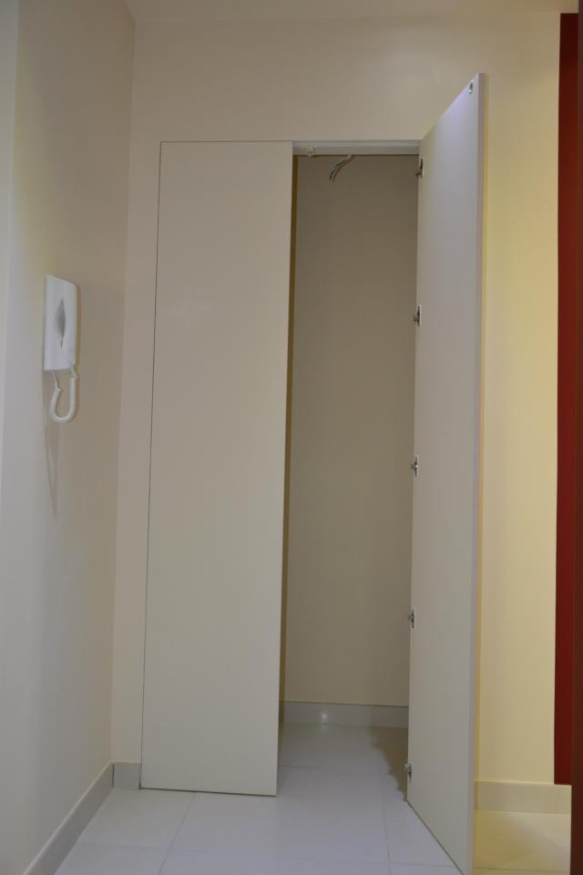 Porte per interni vetrate e sistemi raso parete maffei - Chiusura vano scala interno ...