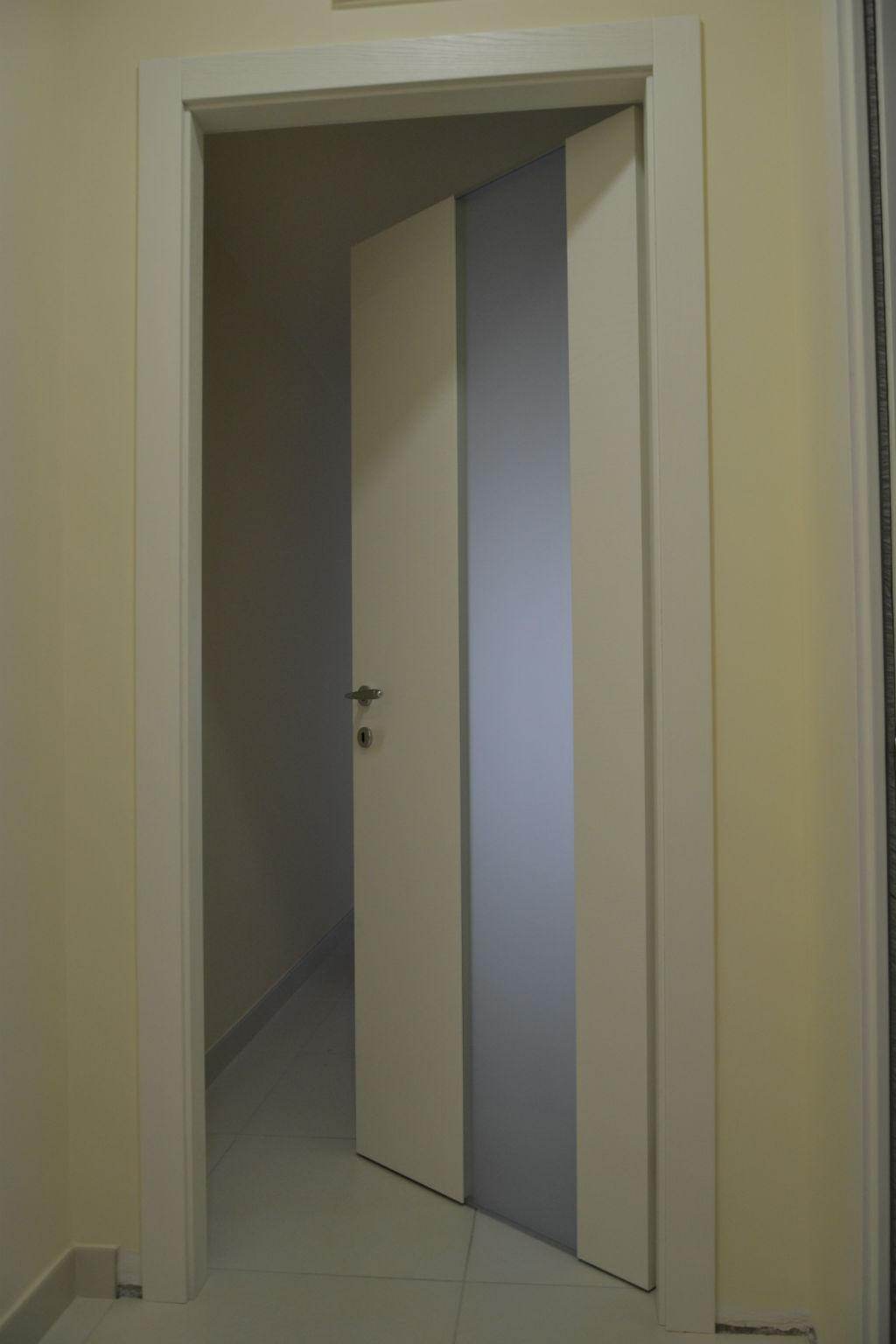 Porte per interni vetrate e sistemi raso parete maffei - Parete interna in legno ...