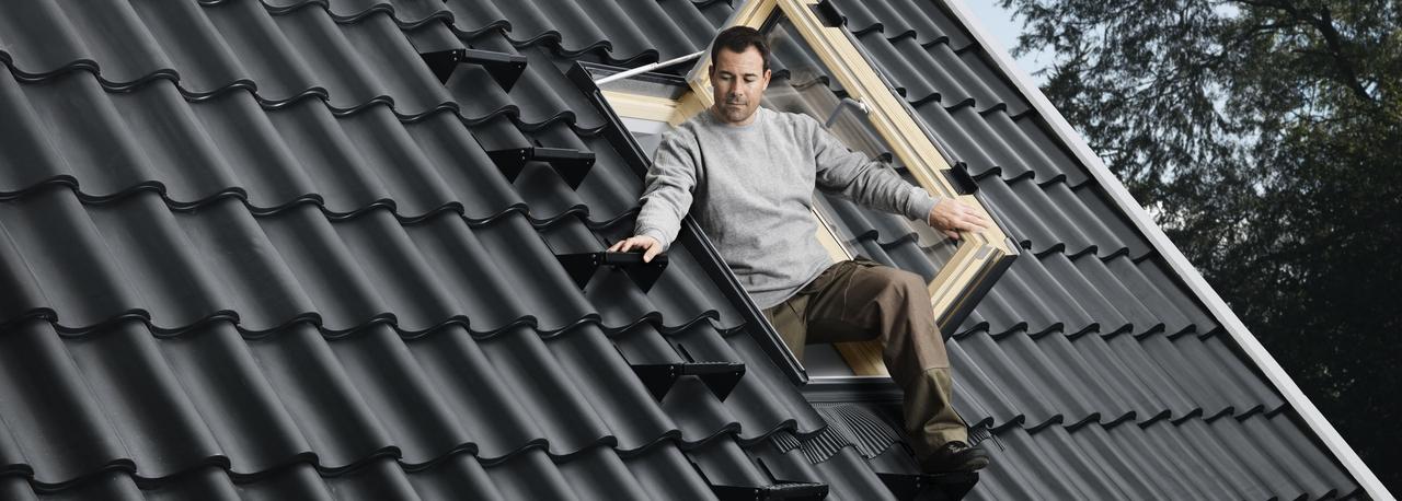 Finestra per l 39 uscita sul tetto gxl fk06 maffei sistemi srl vendita infissi online - Blocca finestra aperta ...