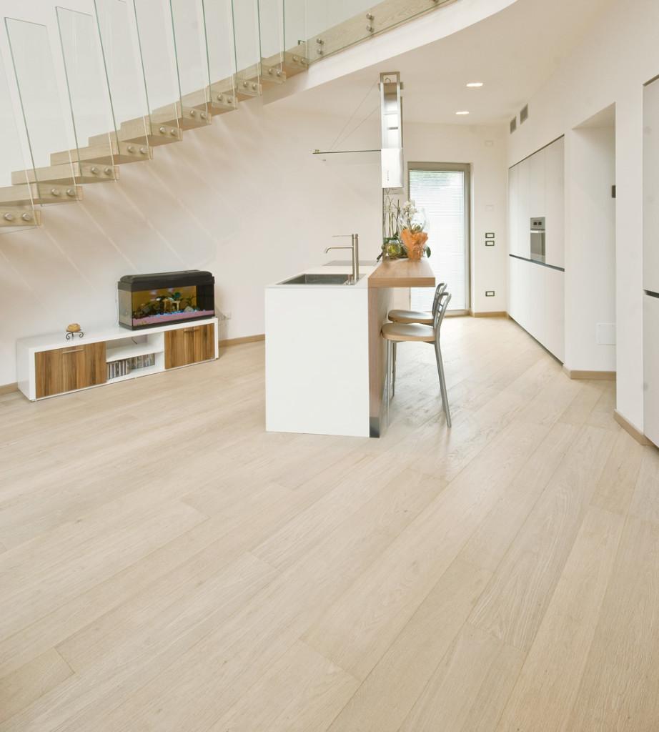 Pavimenti in legno rovere sbiancato spazzolato design - Mobili rovere sbiancato ...