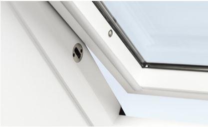Finestra per tetto velux certificata antieffrazione con for Velux antieffrazione