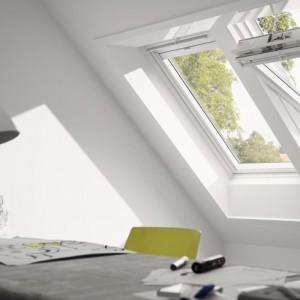 Finestre per tetti inclinati motorizzate velux maffei for Offerte finestre velux