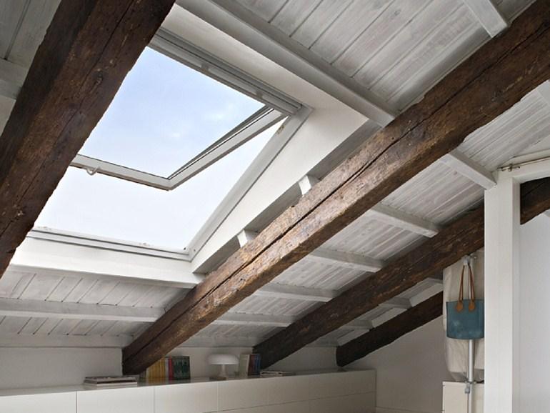 Finestra per tetto apertura manuale vasistas mod gpu 0086 - Finestre sui tetti ...