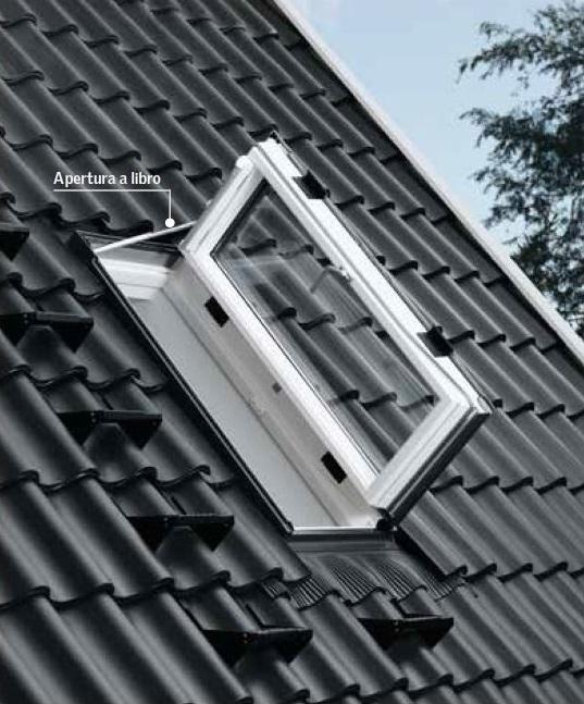 Finestra per l 39 uscita sul tetto velux gxu 0066 energy for Offerte finestre velux