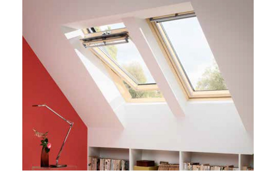 Finestra per tetto apertura manuale velux mod sd0w11109 for Finestre velux manuali