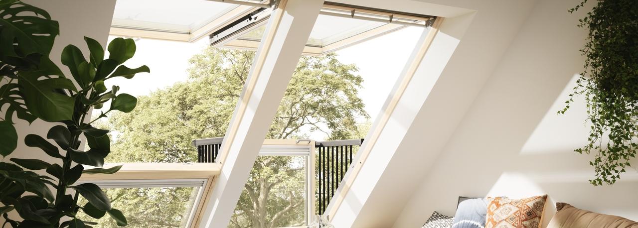 Balcone cabrio velux mod gdl 2066 apertura manuale for Velux finestre balcone
