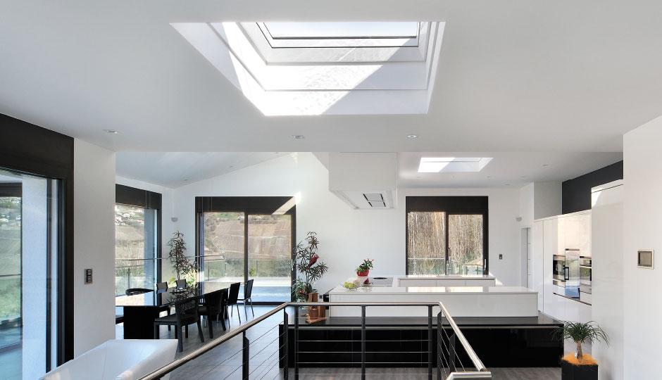 Finestra per tetti piani velux cvp 0073u apertura manuale for Velux tetto