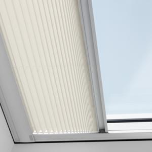Tende e accessori per le finestre piane velux archivi for Infissi velux prezzi